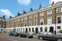 2 bed Flat to rent in Trinity Church Square...