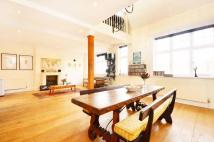 1 bed Flat to rent in Surrey Square...