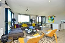 2 bedroom Penthouse in Amelia Street...