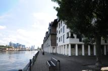 Flat to rent in Rope Street, Rotherhithe...