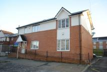 Flat to rent in 8 Maple Road, Sale