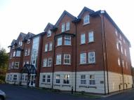 Flat in Hampton House, Sale...