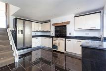 Penthouse in Northenden Road, Sale
