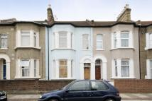 3 bed Terraced property to rent in Liddington Road...