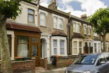 3 bed house in Bolton Road, London, E15