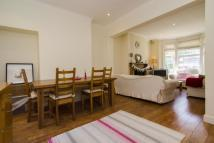 2 bed Terraced property in Caistor Park Road...