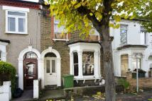 1 bedroom Flat in Warwick Road, London, E15
