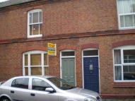 Flat to rent in PICKERING STREET...