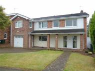 4 bed Detached property in 31 Checkstone Avenue...