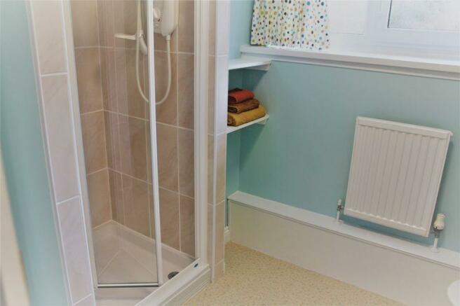 Shower Room 1 ...