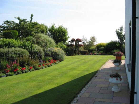 side garden in