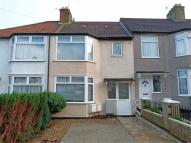 Flat to rent in Maple Avenue, HARROW...