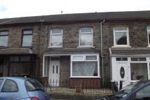 Terraced home to rent in Sherwood Street...