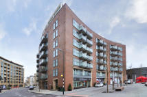 Penthouse in Surrey Quays Road...
