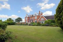 9 bed Detached property in Fockbury Road, Dodford...