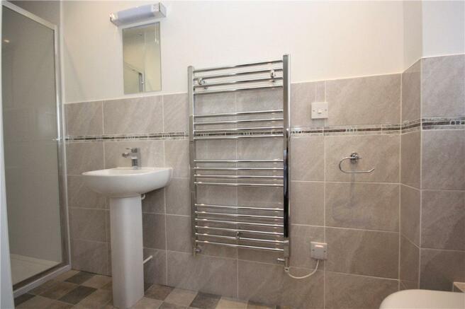 08 Shower Room