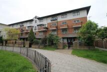 3 bedroom Flat in Betham Court...
