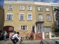 Maisonette to rent in Englefield Road, LONDON