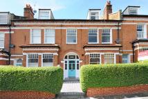 3 bedroom Flat in Terrapin Road, Balham