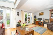 2 bed Flat for sale in Byrne Road, Balham