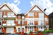 2 bedroom Flat in Sternhold Avenue, Balham