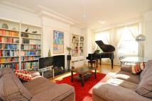 2 bedroom Flat in Elmbourne Road...