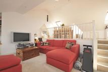 2 bed Flat for sale in Drakefield Road...