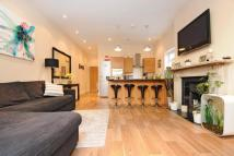 Flat for sale in Drakefield Road...