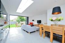 2 bedroom Flat for sale in Elmbourne Road...