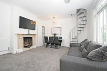 Flat for sale in Clapham Common North...