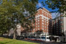 4 bed Flat to rent in Hyde Park Residence...