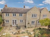 Detached property in The Moors, Old Kidlington