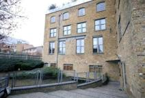 2 bedroom Flat to rent in Chandlery House...