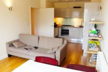 2 bedroom Flat to rent in Enfield Road, Haggerston
