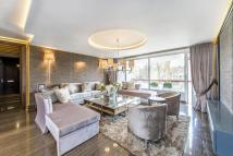 Flat for sale in Gloucester Square...