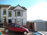 4 bed End of Terrace property to rent in School Terrace...