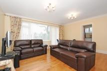 3 bed Flat for sale in The Avenue, Beckenham