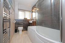 1 bed Flat in Copers Cope Road...