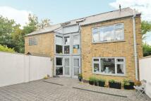 3 bedroom semi detached house in Birkbeck Road, Beckenham