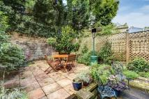 3 bed Flat for sale in Ainger Road...