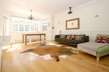 2 bedroom Flat in Eton Avenue, Belsize Park