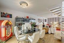 Town House for sale in King Henrys Road...