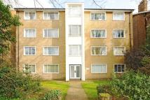 Flat in Vanbrugh Park Road...