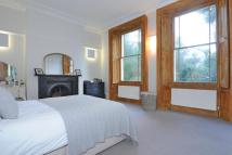 2 bed Flat for sale in The Glebe, Blackheath