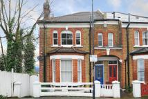 2 bedroom Flat in Dinsdale Road, Blackheath