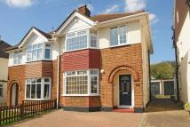4 bed semi detached property in Dairsie Road, Eltham
