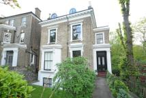 3 bedroom Flat in Granville Park, Lewisham
