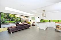 6 bed Terraced house for sale in Halesworth Road, Lewisham