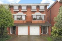 Town House for sale in Bromley Grove, Bromley