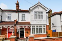 4 bedroom semi detached house in Holligrave Road, Bromley